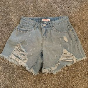 Size 0 mid-rise ripped shorts